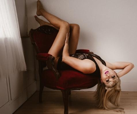 Kaitlyn chair (1 of 1)