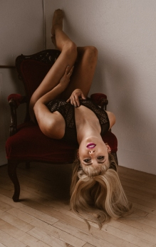 Kaitlyn chair1 (1 of 1)
